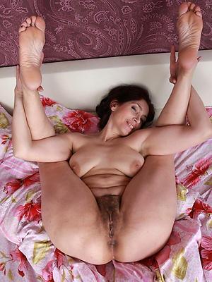 slutty unshaved mature pussy sex pics