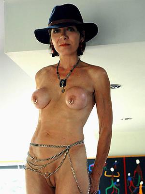 beauties mature beamy nipples