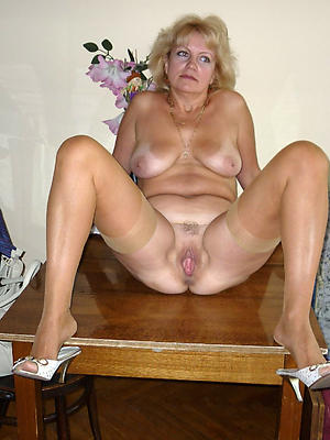 gorgeous real mature housewives
