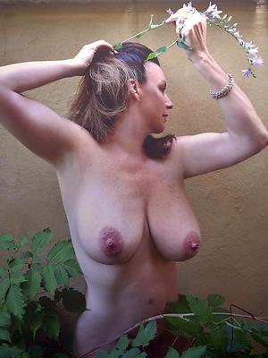hotties mature women involving beamy boobs