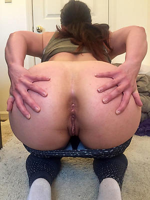 free pics of big booty mature woman