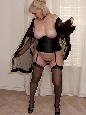slutty sexy mature nylons pictures