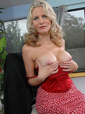 older grown-up women posing nude