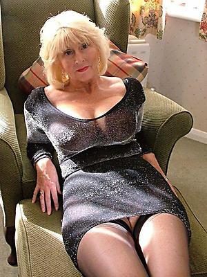 mature girlfriend hatless stripped