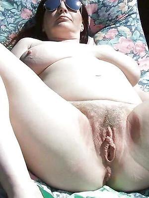 hotties mature vulva pictures