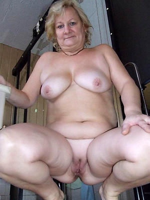 slutty sexy mature squirearchy nude pictures