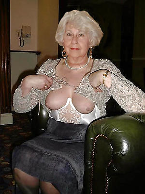beautiful nude mature grannies pics