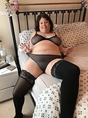mature naked fat women posing nude