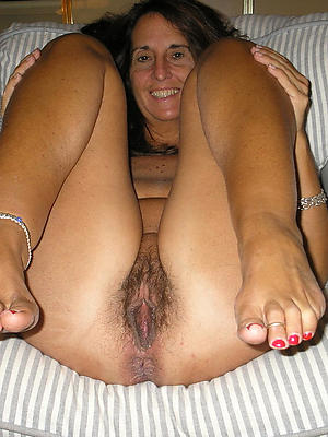 beautiful mature nude feet