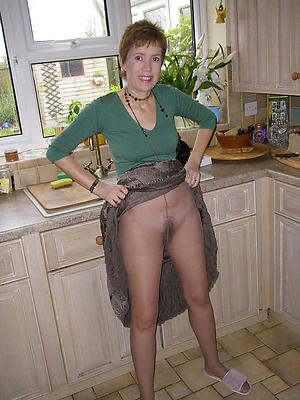 mature ladies in pantyhose overt