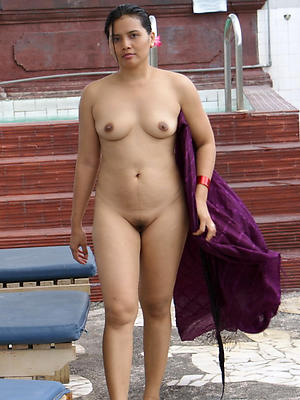 mature indian women nude posing