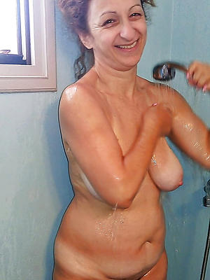 naked mature in shower love porn