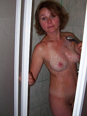 free pics of mature in shower