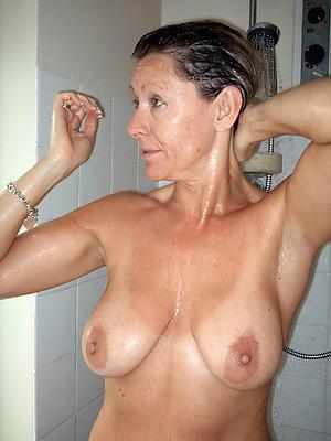 admirable mature shower porn pics
