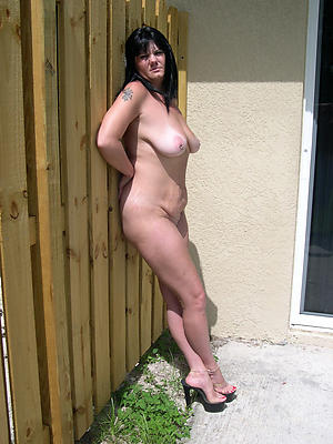 real full-grown wifes posing vacant