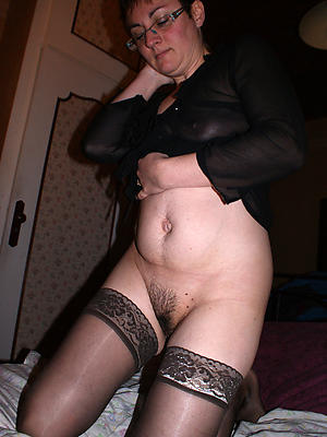 X-rated unshaved mature pussy homemade pics