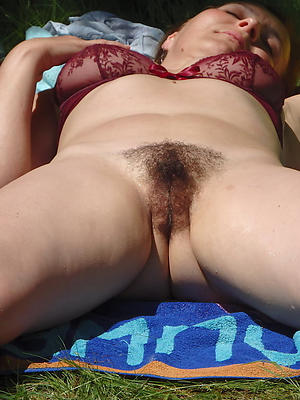 naked unshaved mature pussy stripped