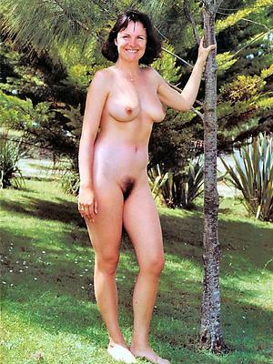 homemade mature wife nude pics