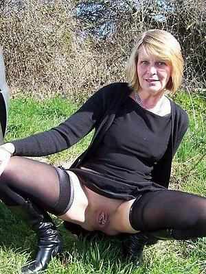 fantastic nude mature upskirt pussy