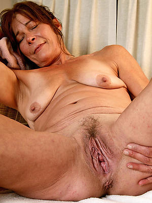gorgeous mature hairy vagina nude pics