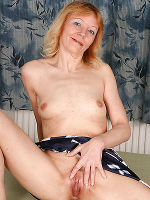 homemade mature with snug tits stripped