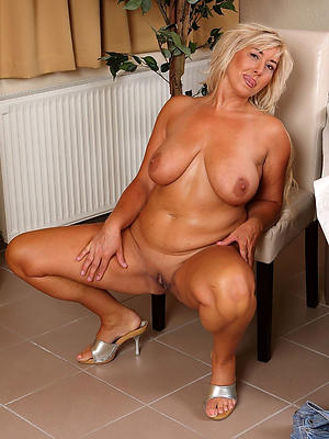 gorgeous mature beautiful porn gallery