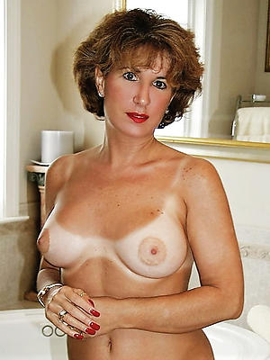xxx Bohemian mature horny women nude pics