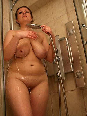 free pics of grown-up women shower