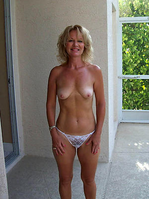 sexy natural mature naked women