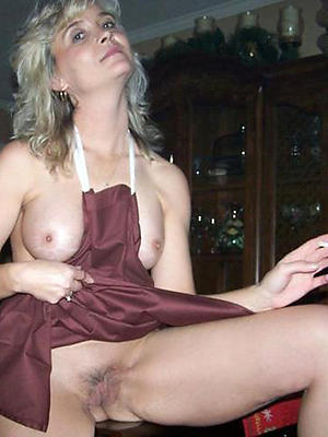 curvy unshod milf housewives injection