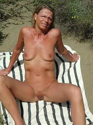 beauties mature nude beach photos