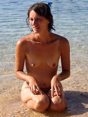hotties matured beach nudes pics