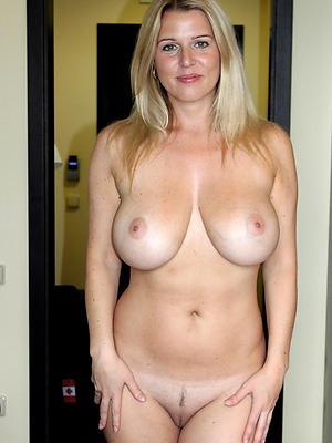 full-grown milf boobs posing mere