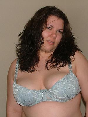 elegant sexy mature brunette pictrues