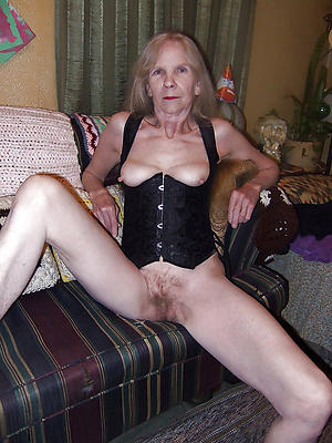 xxx free horny granny unadorned pics