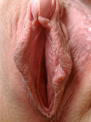 xxx mature milf pussy up close