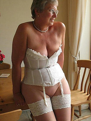 beautiful erotic photos mature women