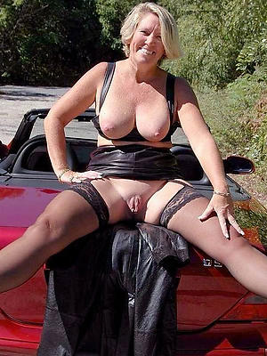 free pics of mature amateur moms