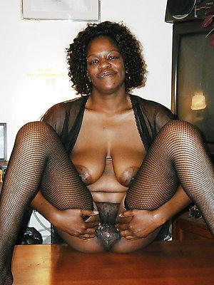 comely ebony mature women xxx