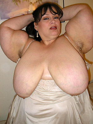 fat mature sluts posing nude