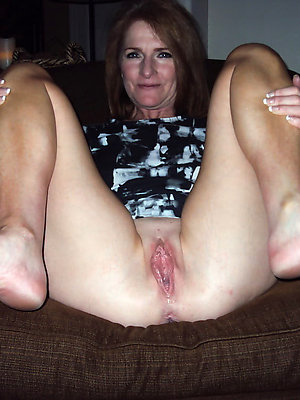 fantastic mature milf feet pics
