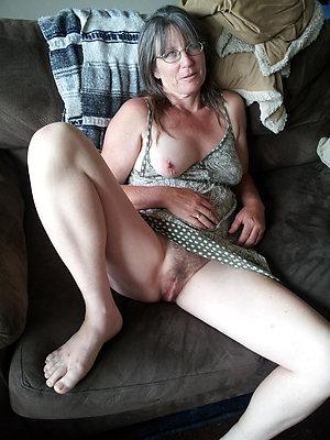 oversexed mature feet soles pictures
