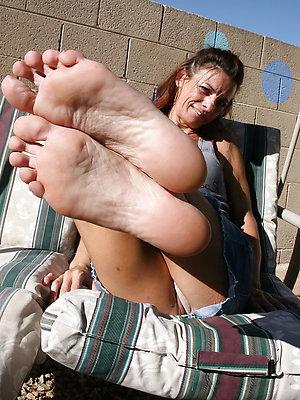 free pics of mature feet soles