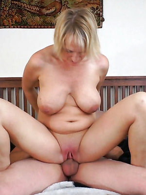 gorgeous matured woman fucking pics