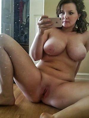 beautiful mature milf ichor nude photo
