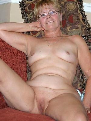 beautiful mature women fro glasses porn pictrues
