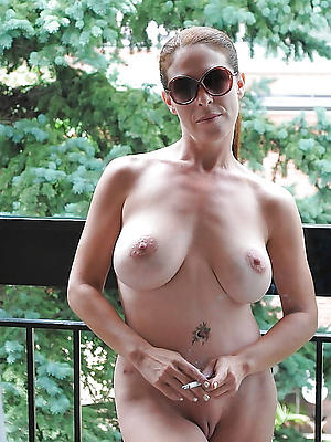 hotties nude mature hither glasses pics
