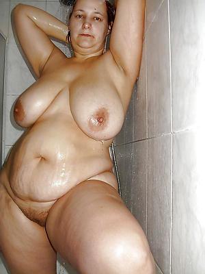 xxx free mature women in the shower