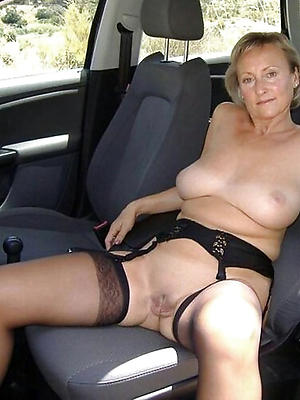 gorgeous mature X-rated older women pics