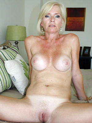 wonderful of age blonde mom homemade porn pics